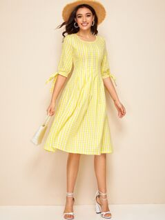 Gingham Print Knot Cuff Pleated Dress