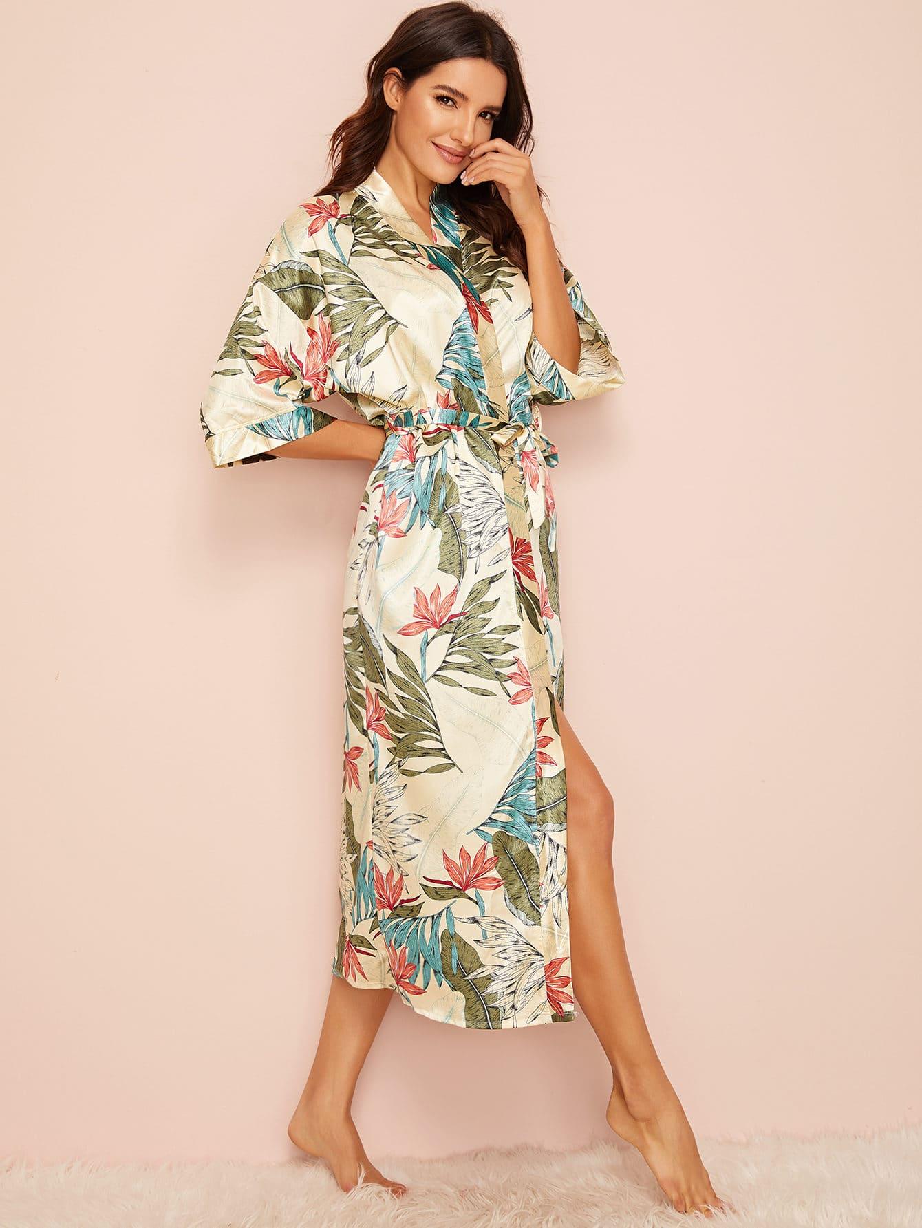 Фото - Атласный халат с поясом и тропическим принтом от SheIn цвет многоцветный