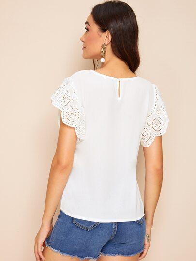 Фото 2 - Многослойная блуза с завязкой и пуговицами от SheIn белого цвета