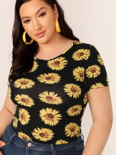 Plus Daisy Floral Form Fitted Top