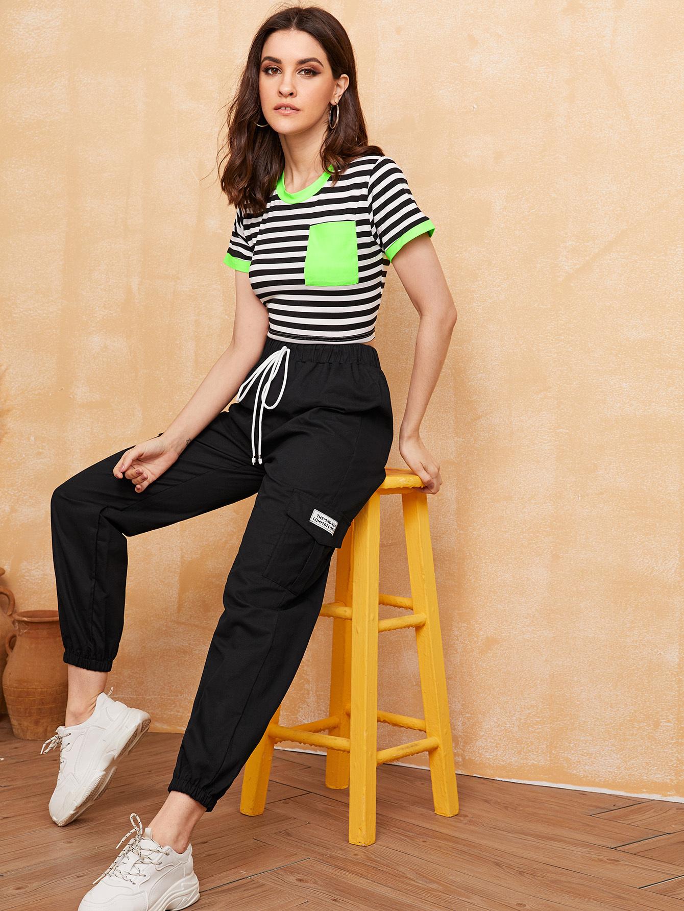 Фото - Контрастная футболка в полоску и брюки с карманом от SheIn цвет чёрнобелые