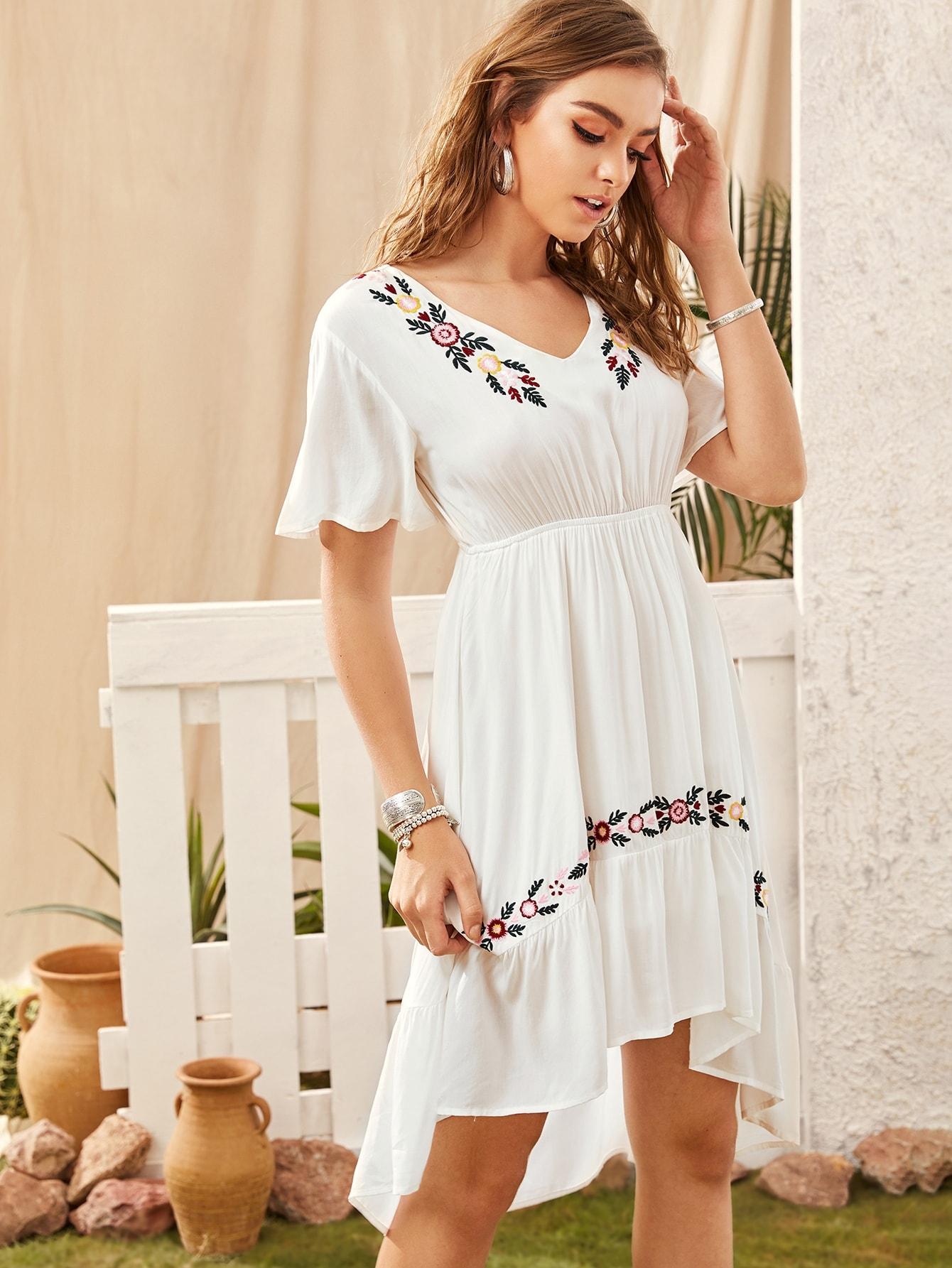 Фото - Асимметричное платье с вышивкой от SheIn цвет белые