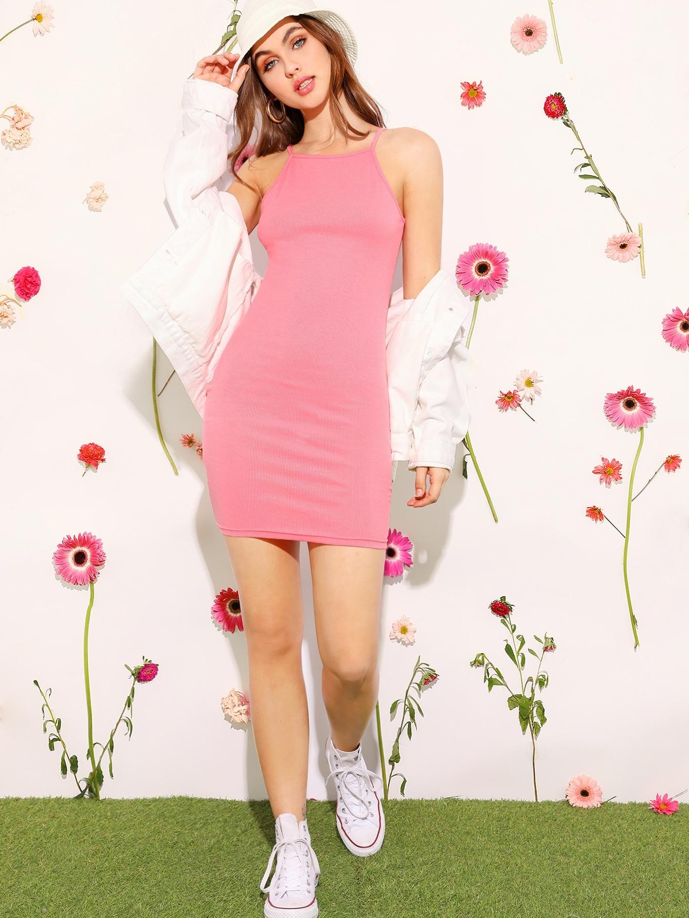 Фото - Вязаное ребристое однотонное платье-карандаш от SheIn цвет розовые
