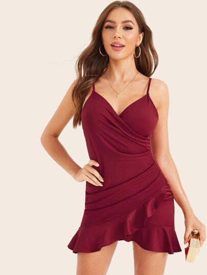 Фото 3 - Приталенное платье с разрезом и одним плечом от SheIn цвет чёрные