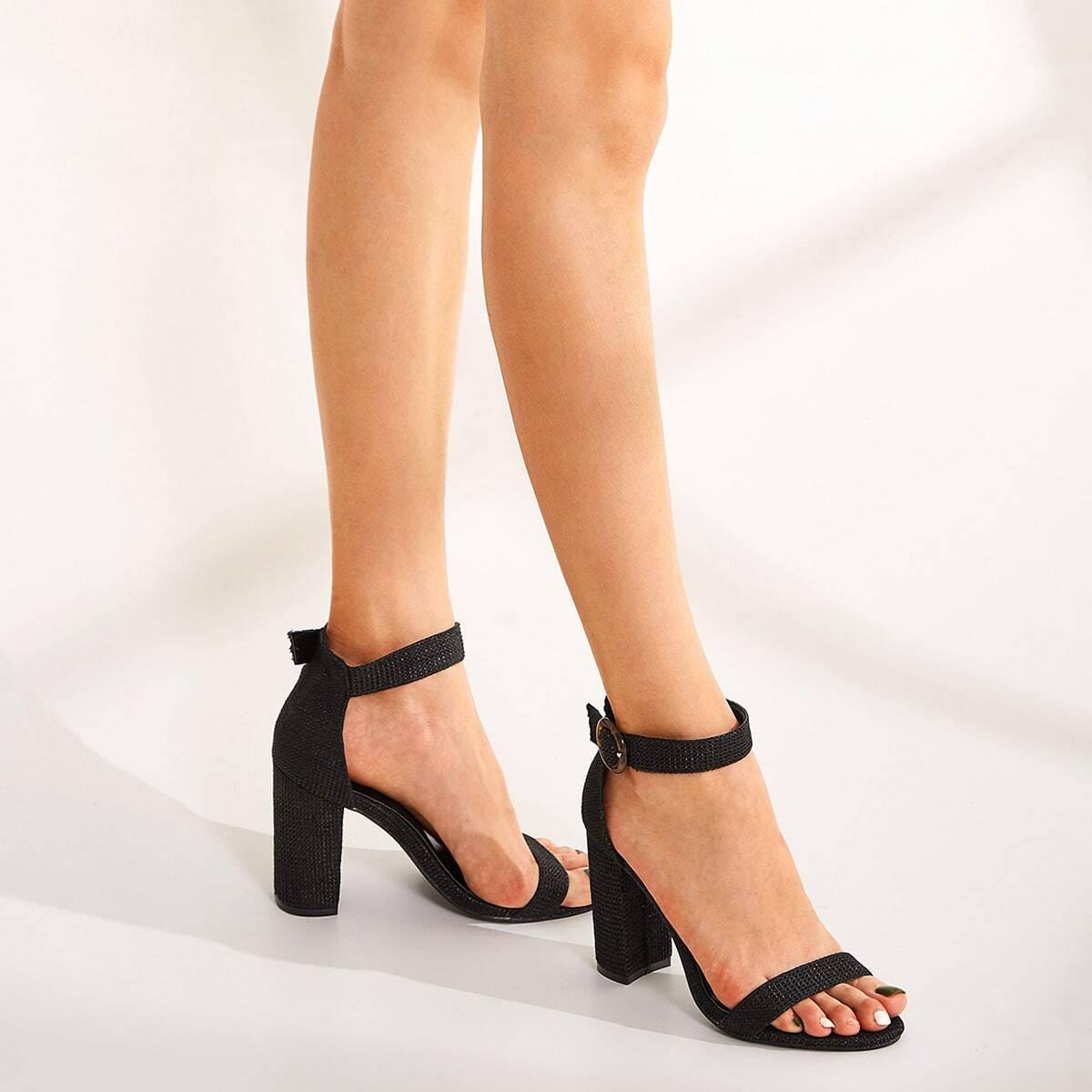 Туфли на толстом каблуке с ремешком от SHEIN