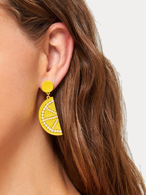 Фото - Серьги-капли из бисера с лимоном 1 пара от SheIn желтого цвета