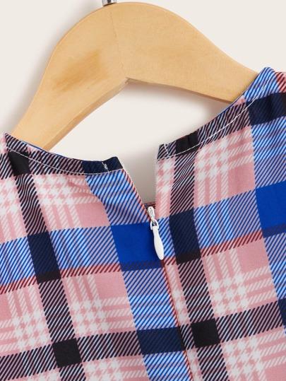 Фото 3 - Однотонные джинсы с пуговицами от SheIn черного цвета