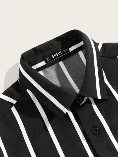 Фото 4 - Блузу в полоску размера плюс с v-образным вырезом от SheIn цвет чёрнобелые