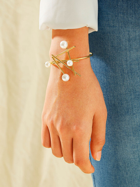 Faux Pearl Decor Bar Cuff Bracelet 1pc