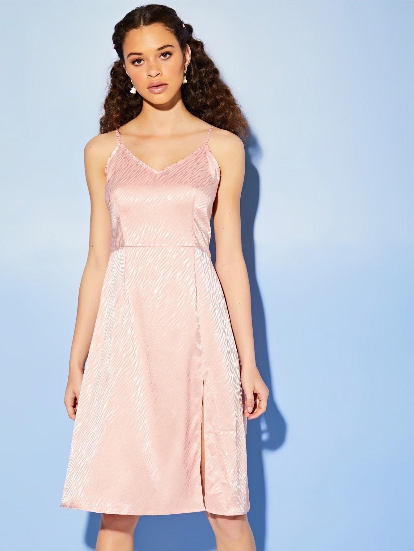 Фото 3 - Платье в горошек на кулиске с пуговицами от SheIn цвет жёлтые
