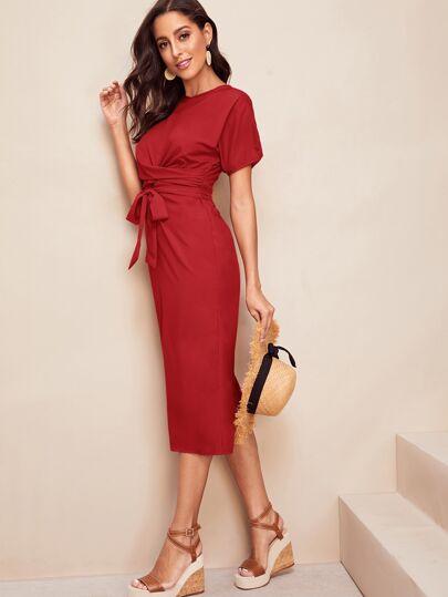 Фото 11 - Кружевное платье с вышивкой, молнией и завязкой от SheIn цвет белые