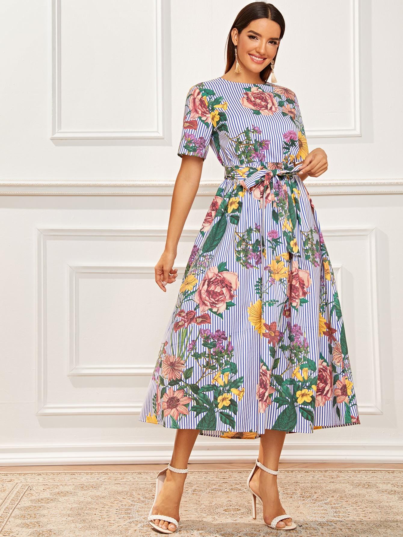 Полосатое платье с поясом, цветочным принтом и застежкой сзади
