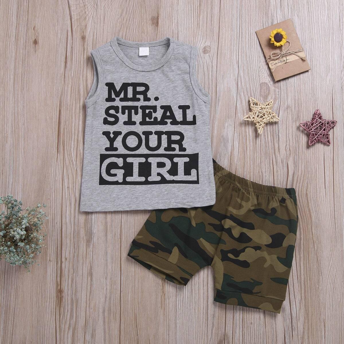 Майка с текстовым принтом и камуфляжные шорты для мальчиков от SHEIN