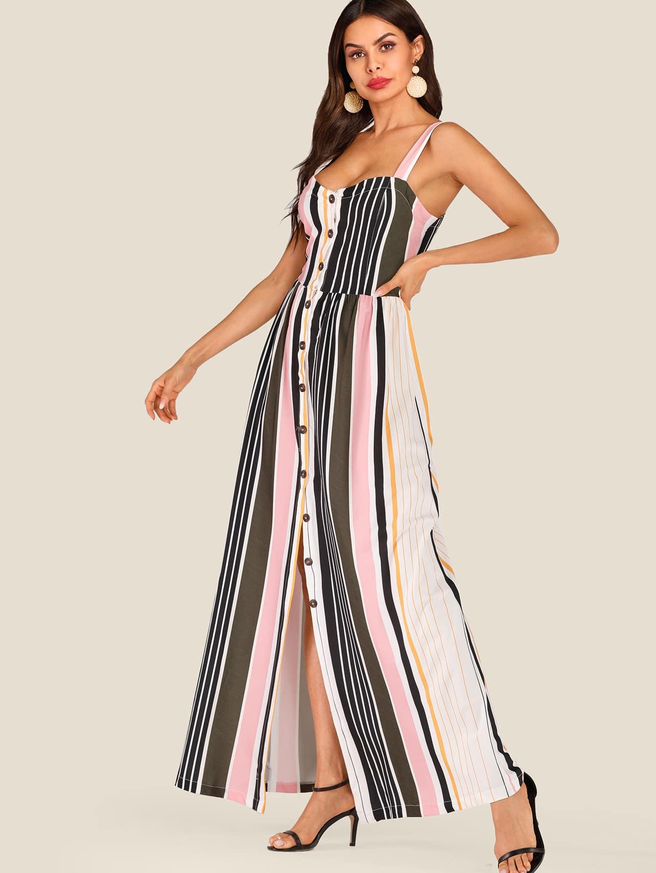 Фото - Полосатое платье на бретелях с пуговицами от SheIn цвет многоцветный