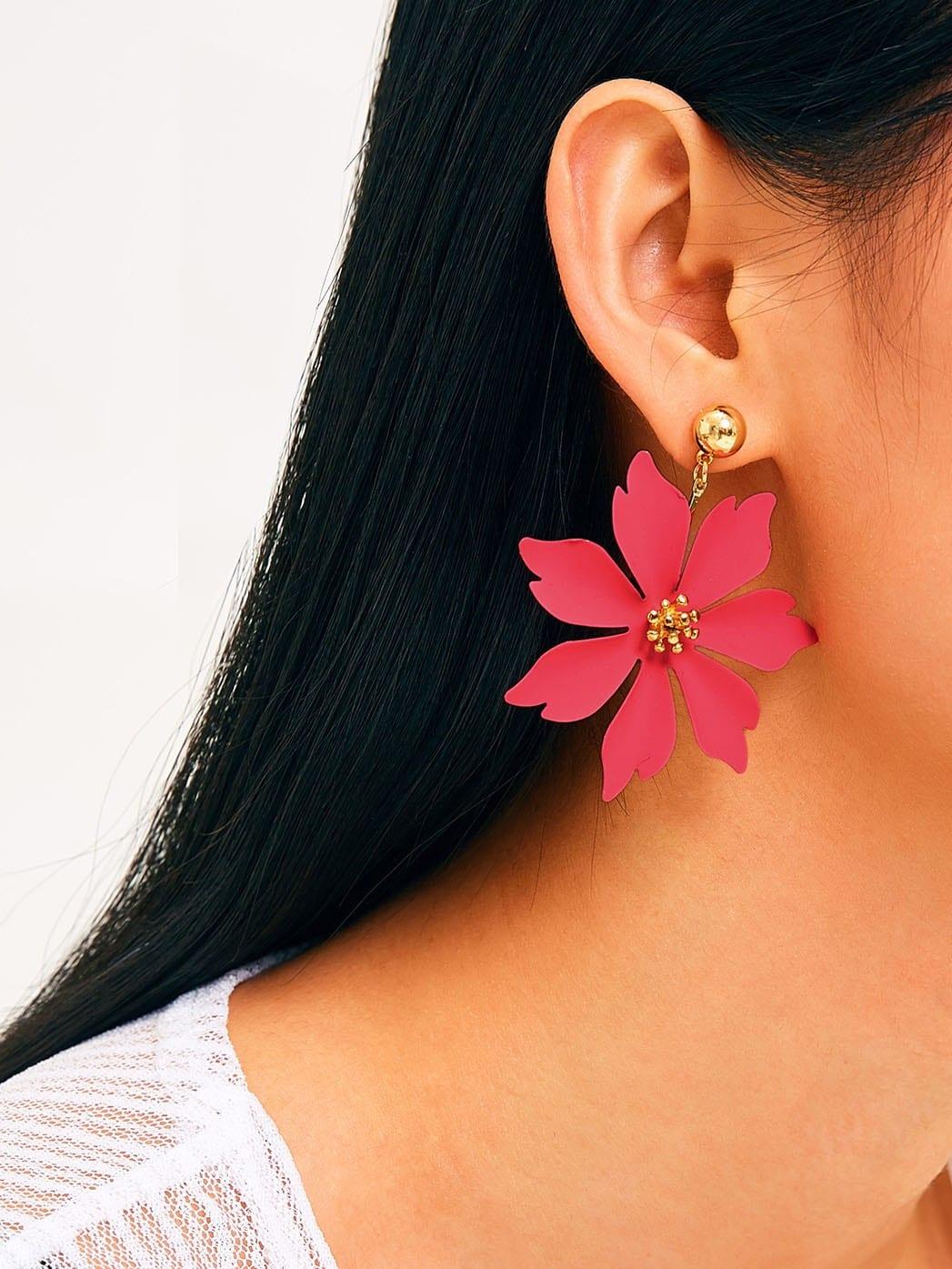 Фото - Серьги-капли в форме цветка 1 пара от SheIn красного цвета