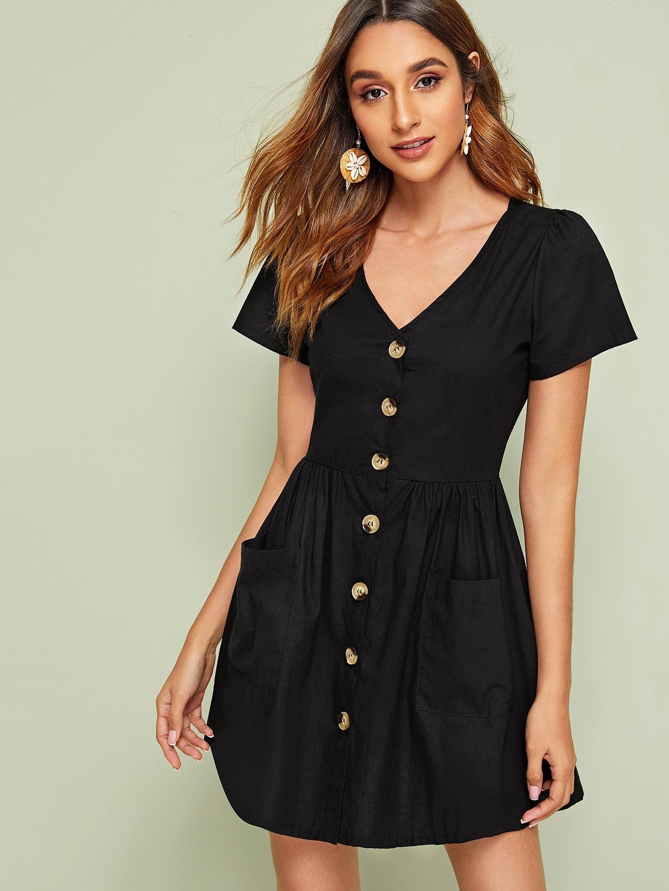 Фото - Платье с пуговицами, карманом и V-образным вырезом от SheIn цвет чёрные