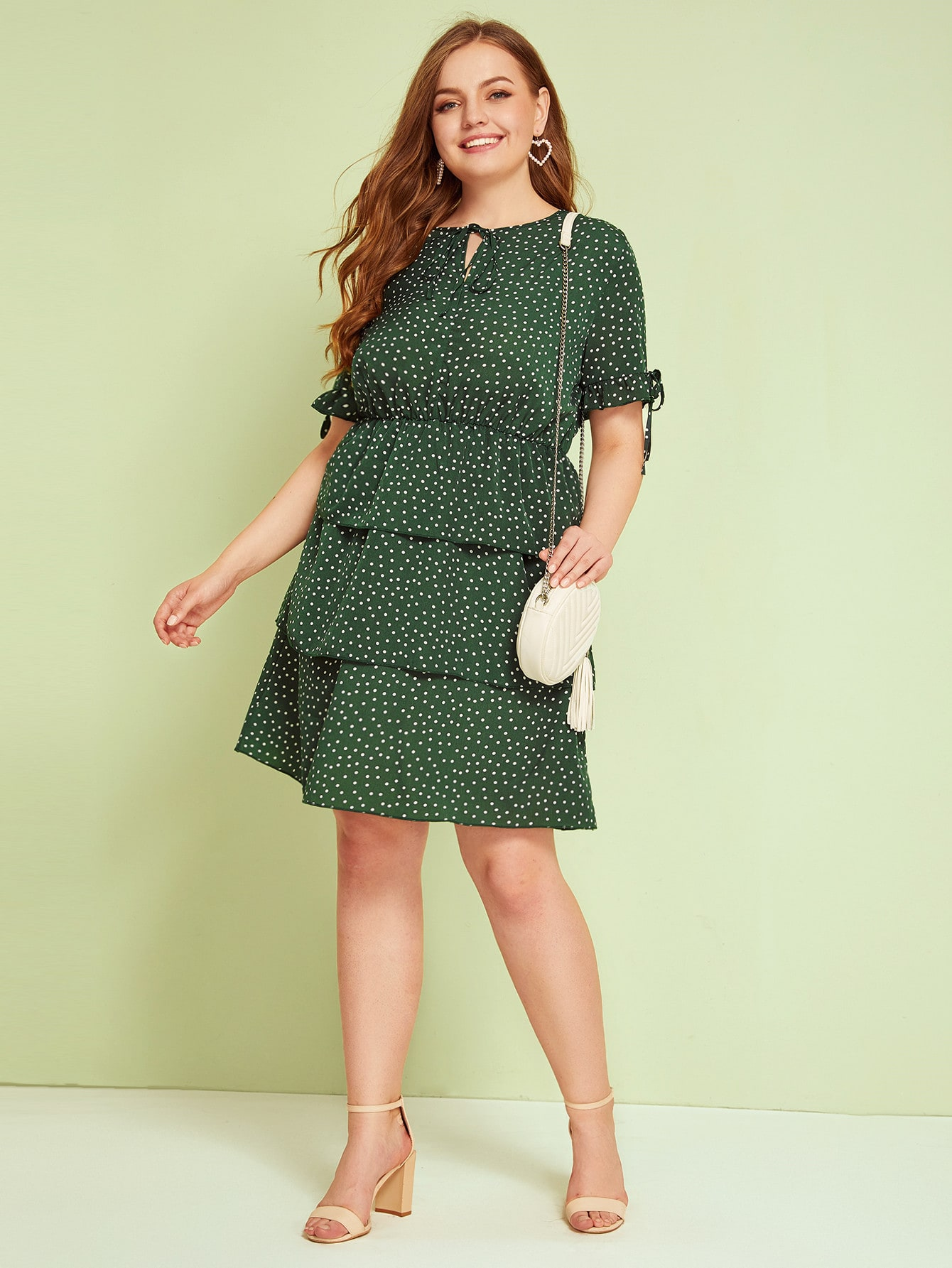 Фото - Платье в горошек размера плюс с узлом от SheIn цвет зелёные
