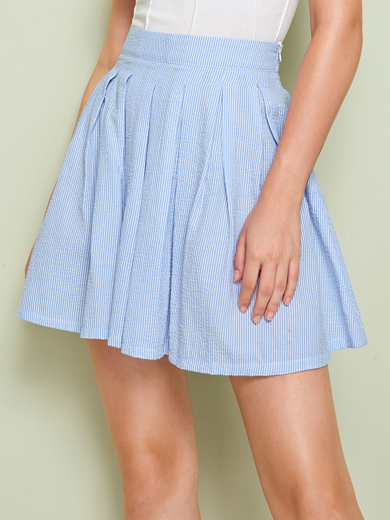 Фото - Плиссированная юбка в полоску от SheIn синего цвета