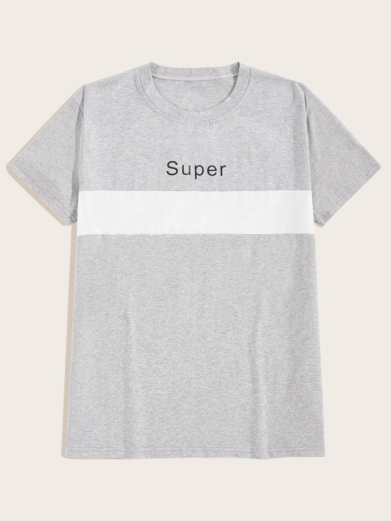 Фото - Мужская контрастная футболка с текстовым принтом от SheIn серого цвета