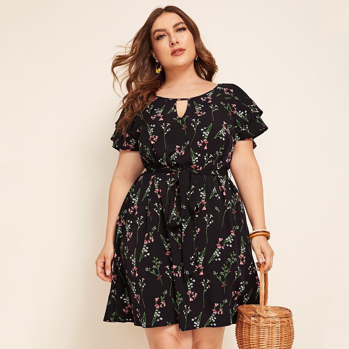 Платье размера плюс с оригинальным рукавом и поясом