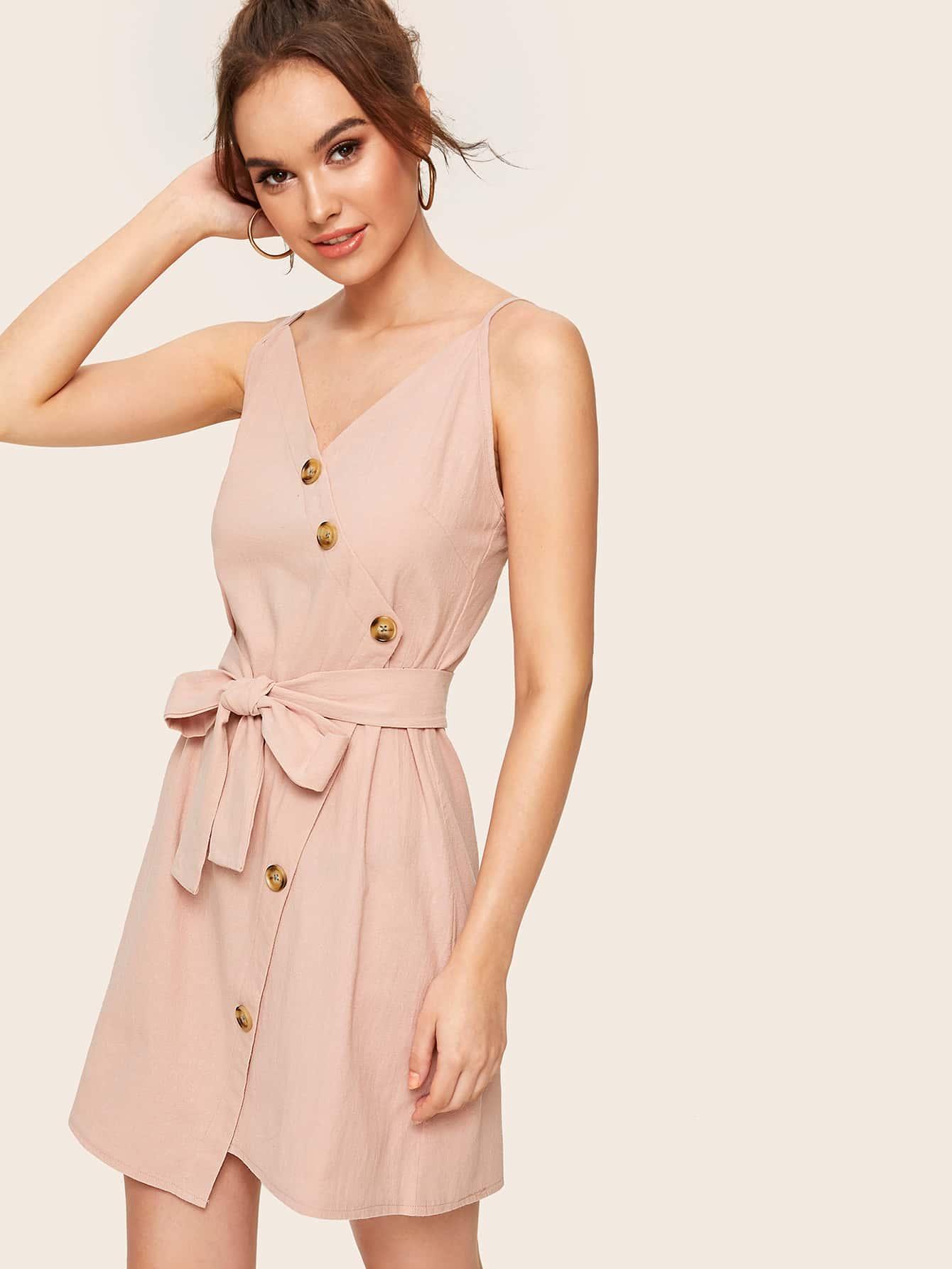 Фото - Платье с пуговицами и поясом от SheIn цвет розовые