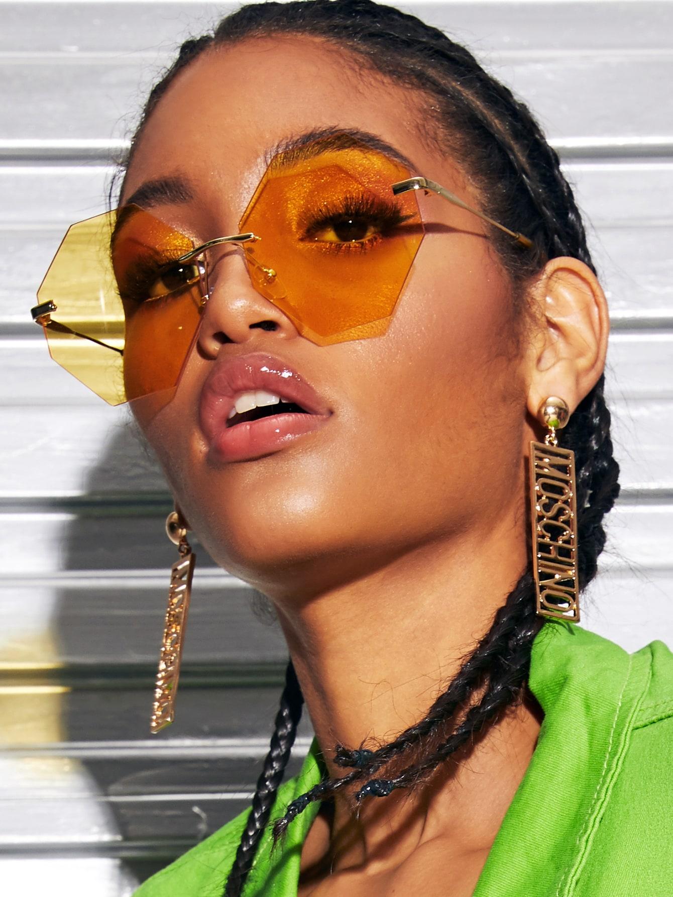 Фото - Солнечные очки с тонированными линзами в оправе от SheIn цвет none