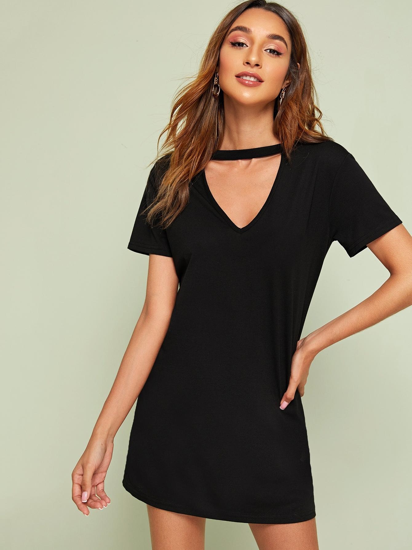 Фото - Платье-футболка с воротником-чокером от SheIn цвет чёрные