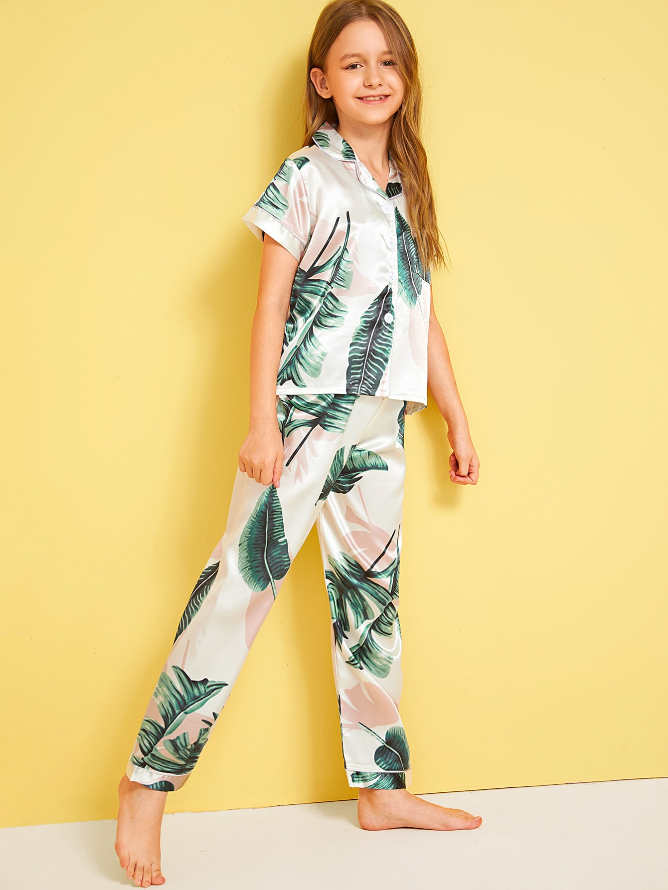 Фото - Атласная пижама с тропическим принтом для девочек от SheIn цвет многоцветный