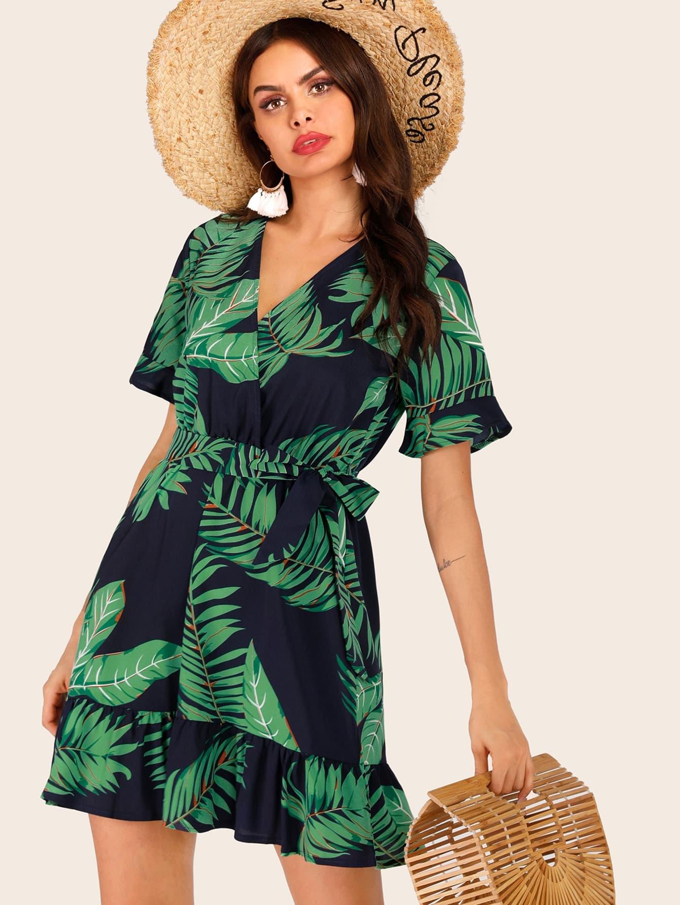 Фото - Платье с оборками и тропическим принтом от SheIn цвет многоцветный