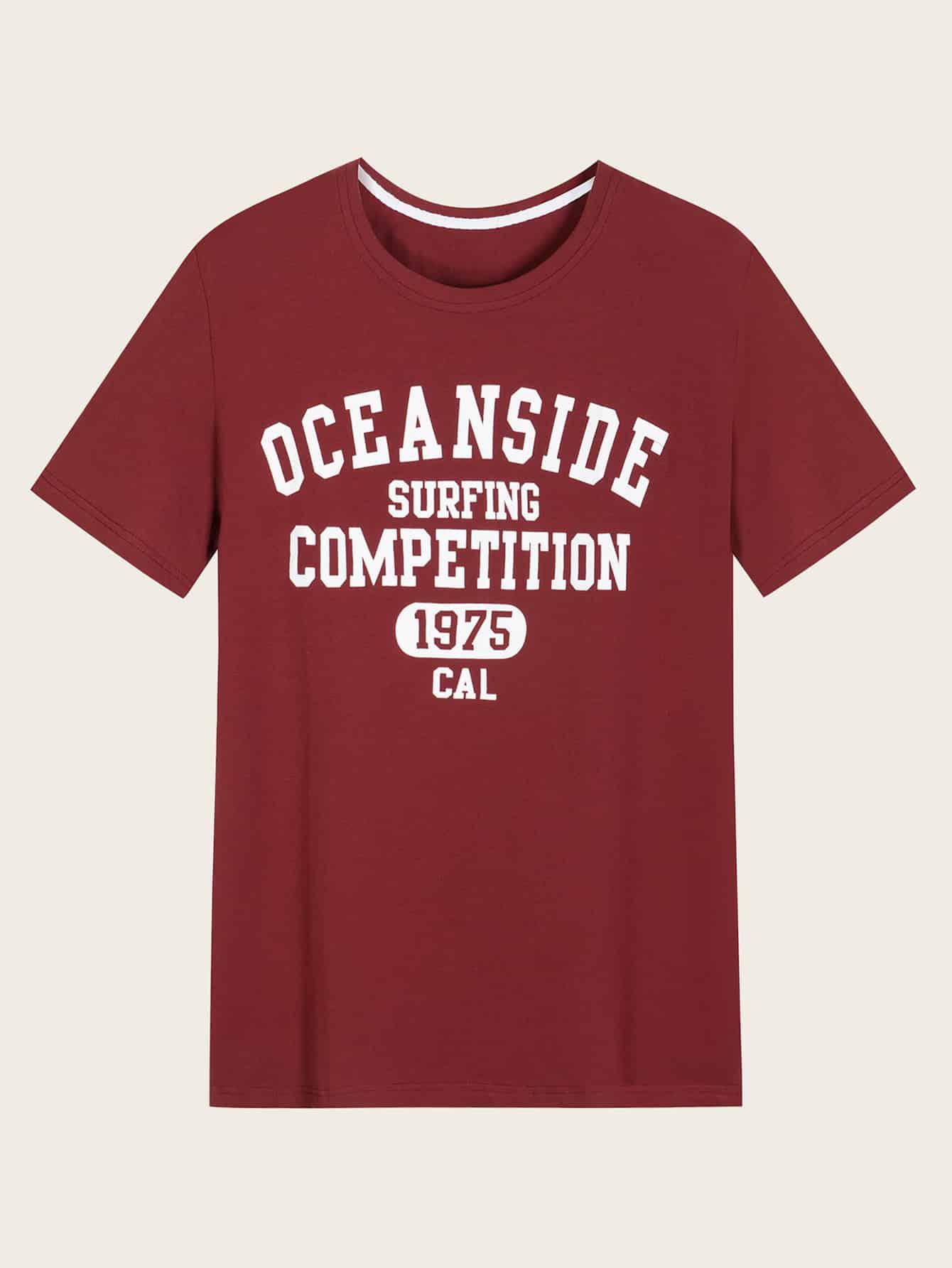 Фото - Мужская футболка с текстовым принтом от SheIn бордового цвета