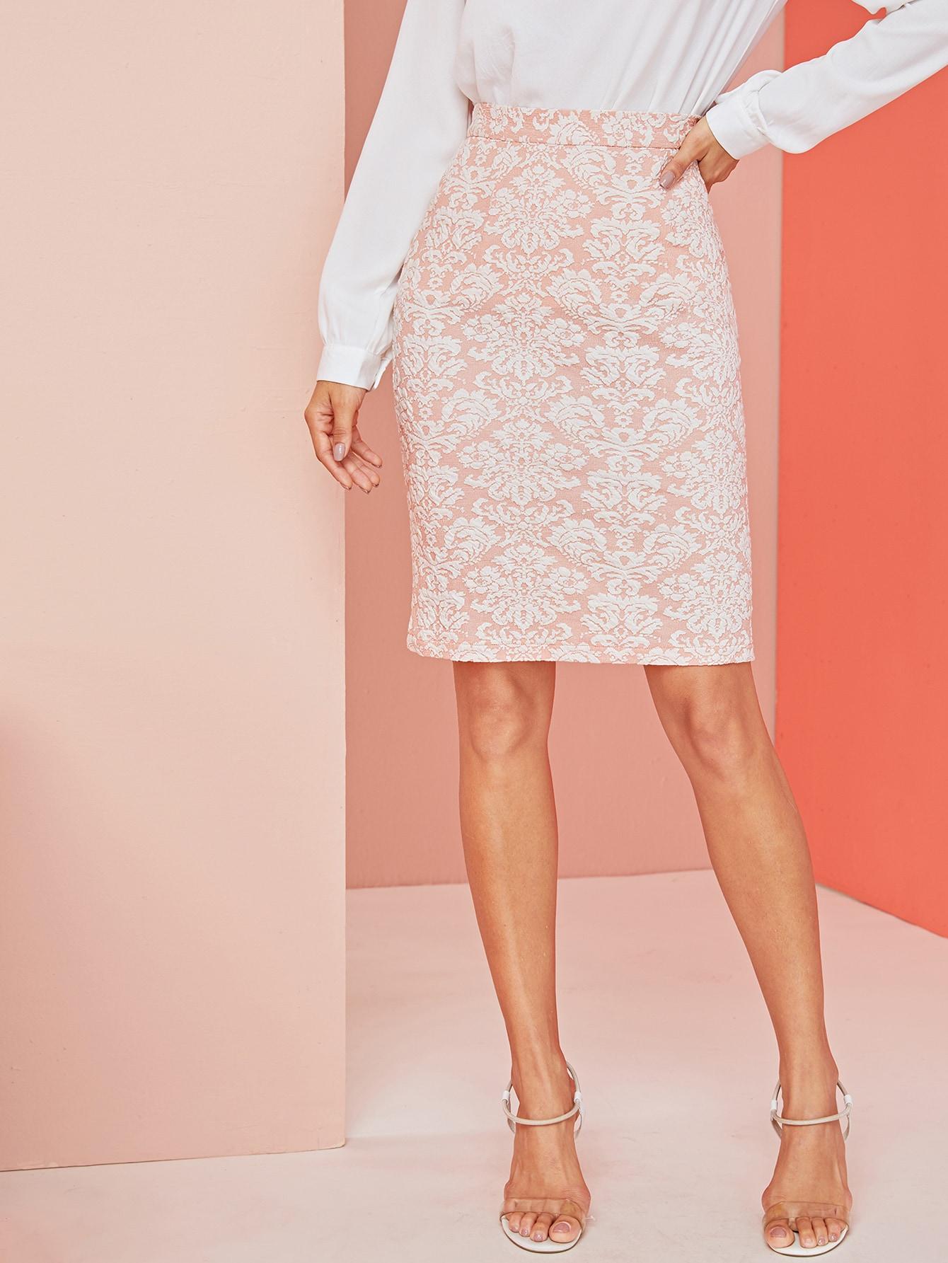 Фото - Жаккардовая юбка с разрезом сзади от SheIn розового цвета