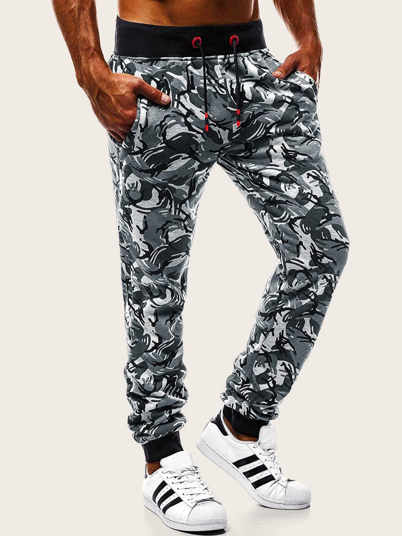 Фото - Мужские брюки с камуфляжным принтом и поясом от SheIn цвет многоцветный