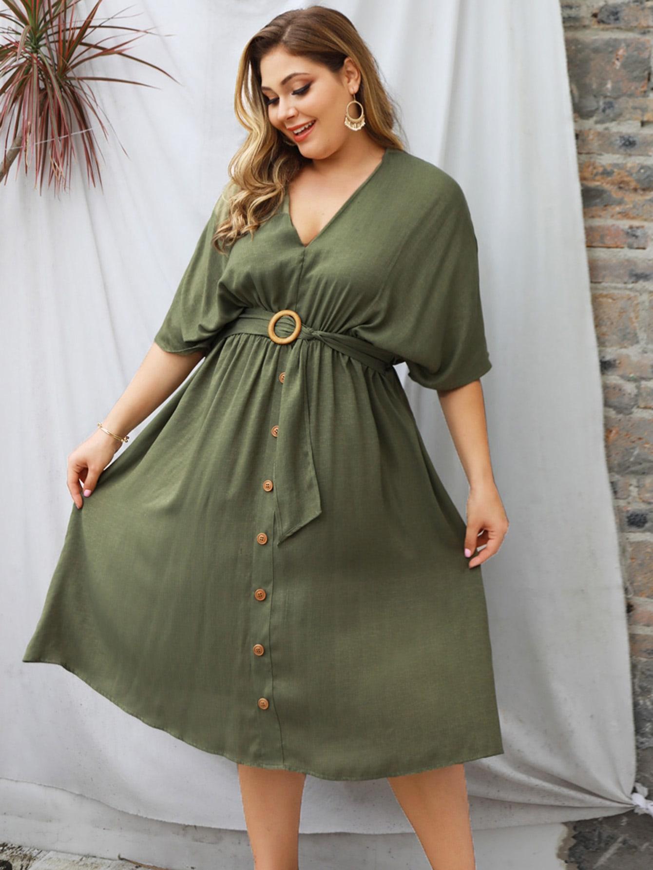 Фото - Платье размера плюс с v-образным вырезом и поясом от SheIn цвет зелёные