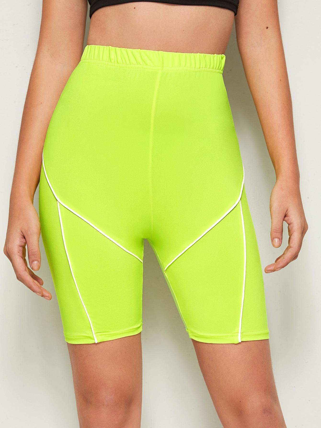 Фото - Велосипедные шорты с контрастной отделкой от SheIn цвет жёлтый