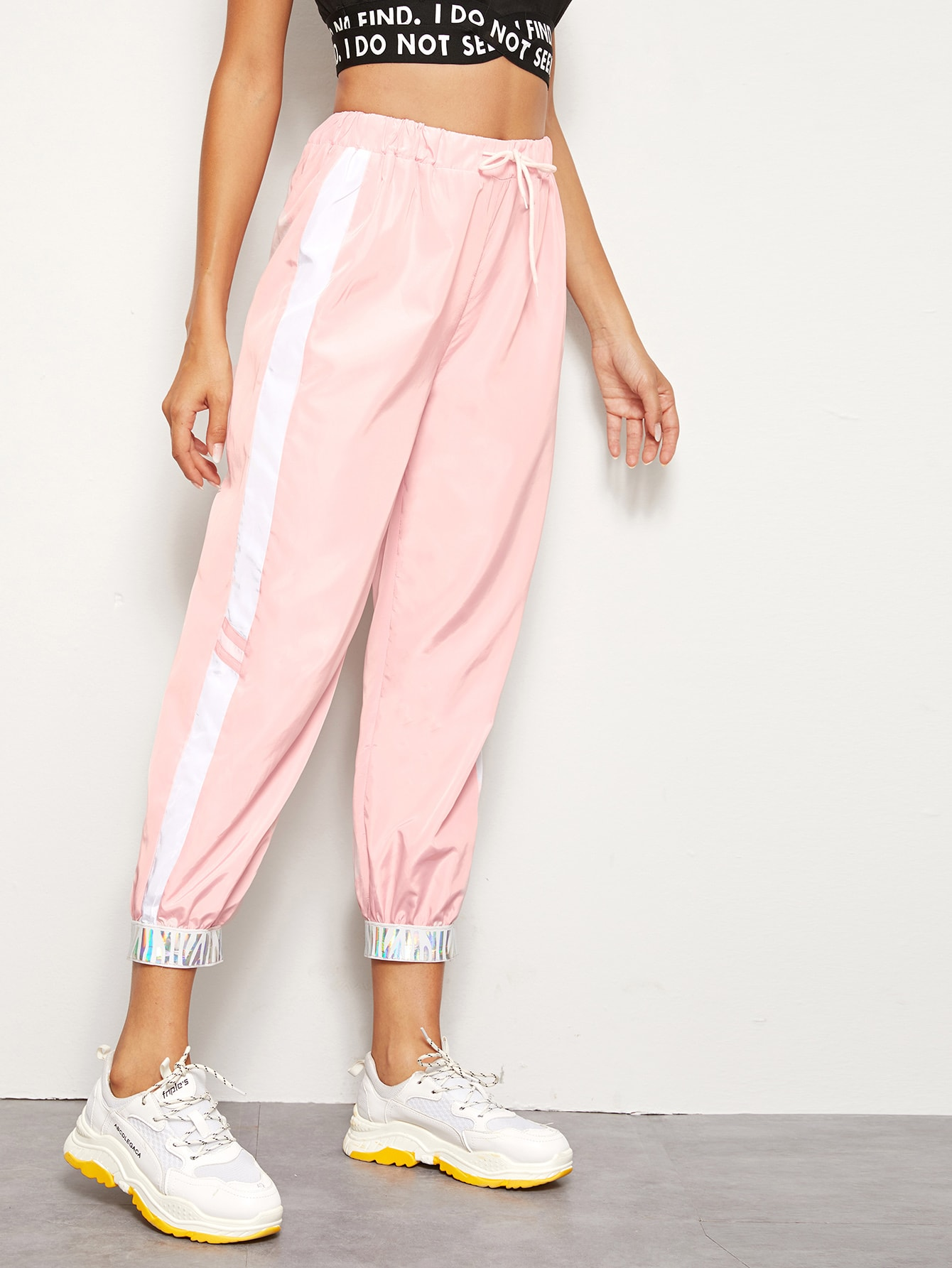 Фото - Контрастные брюки на кулиске от SheIn розового цвета