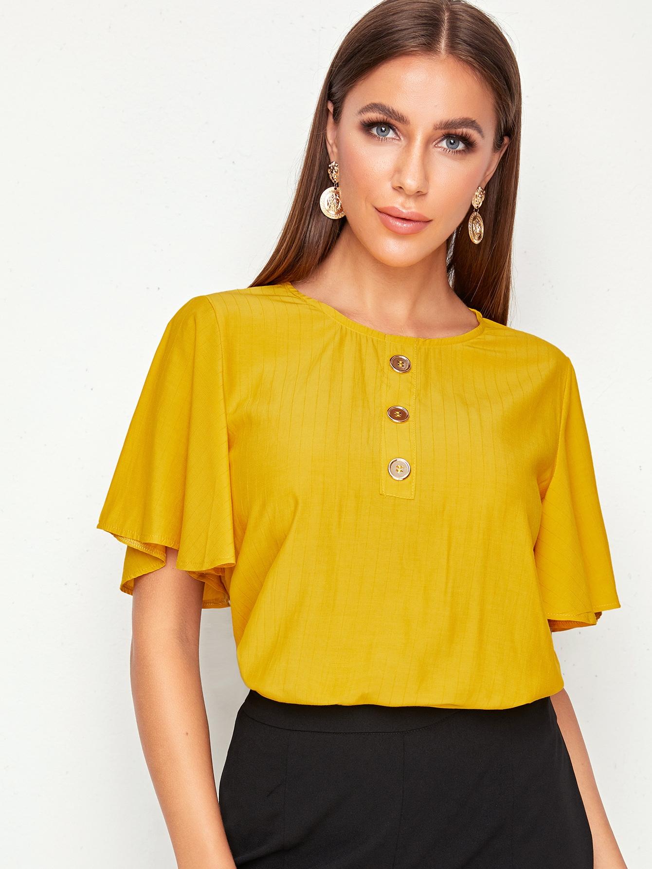 Фото - Блузу с оригинальным рукавом и пуговицами от SheIn желтого цвета
