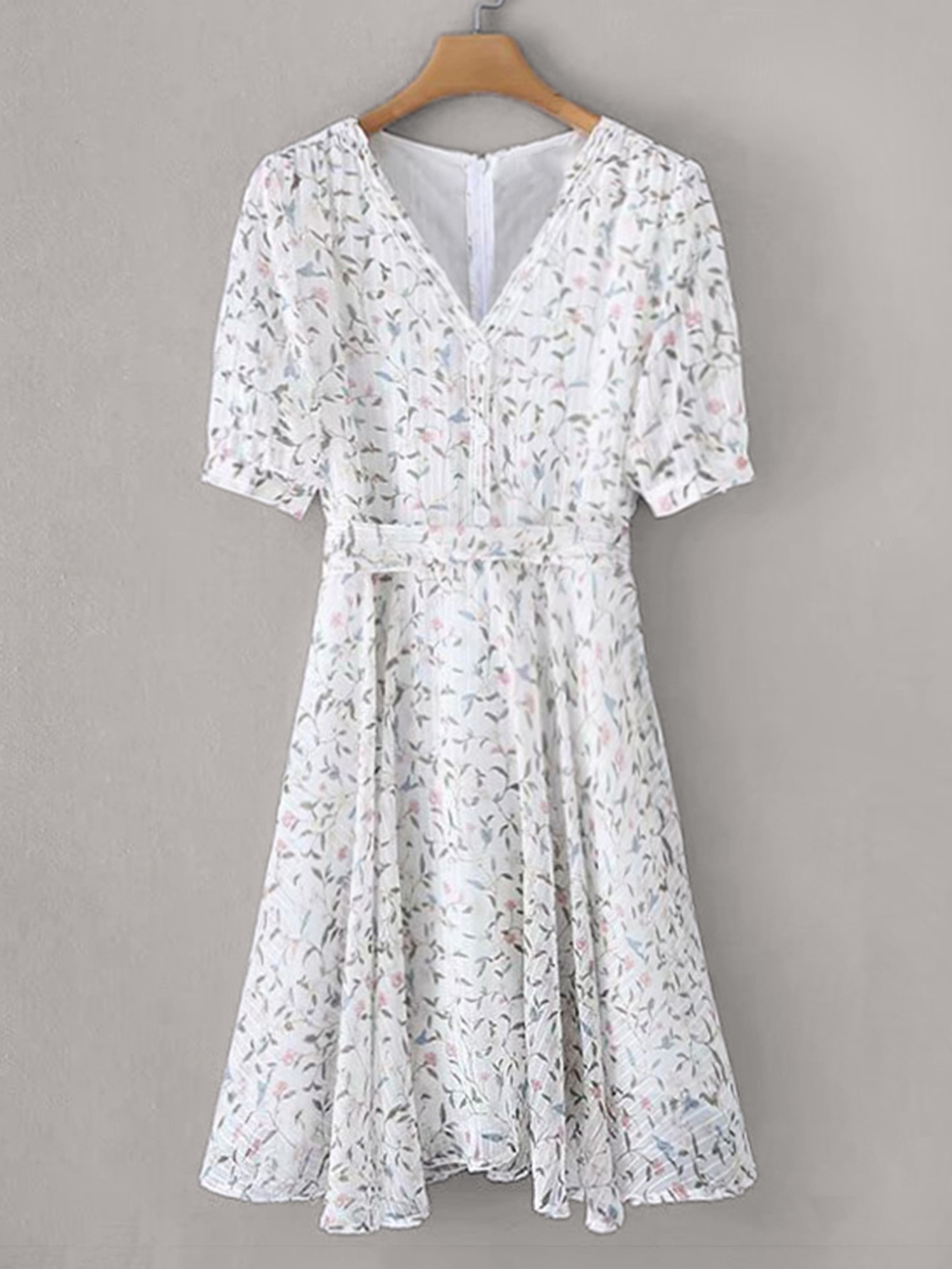 Фото - Цветочное платье с молнией сзади от SheIn цвет белые