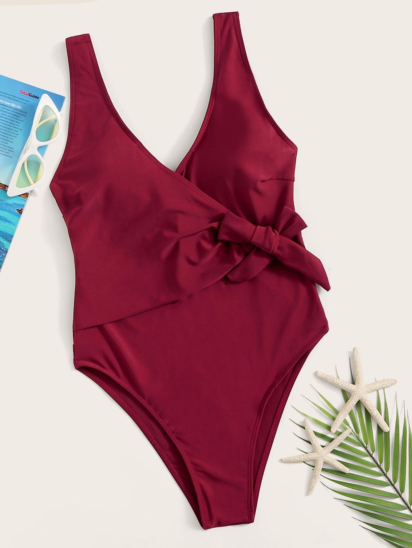 Фото - Слитный купальник с U-образной спинкой от SheIn бордового цвета