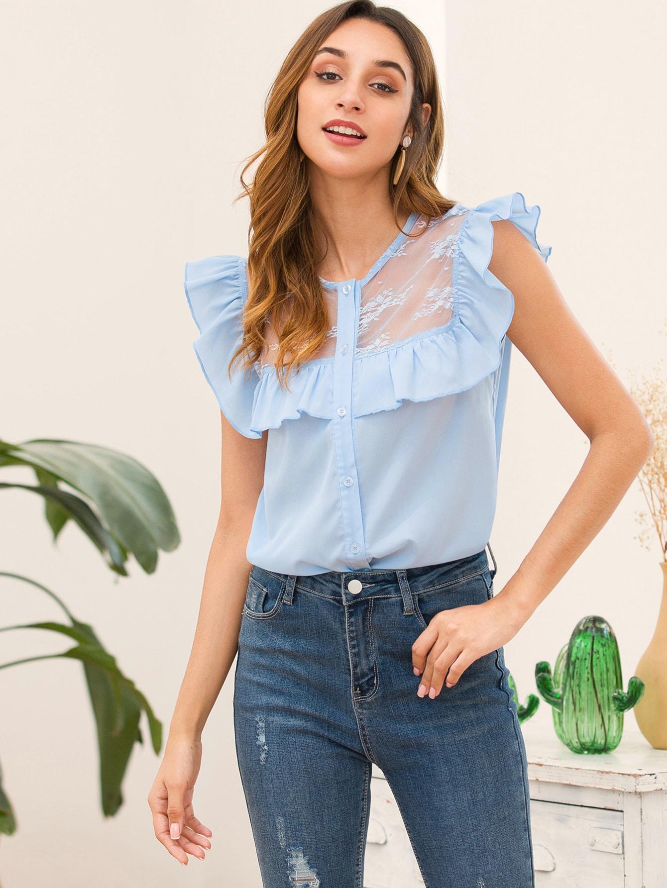 Фото - Блузу с пуговицами и кружевом от SheIn синего цвета