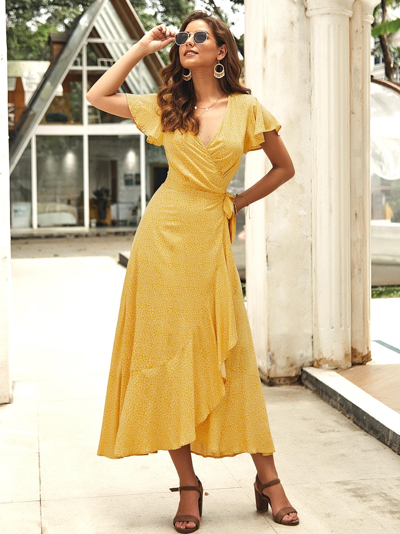 Фото - Цветочное платье на запах с узлом от SheIn цвет жёлтые