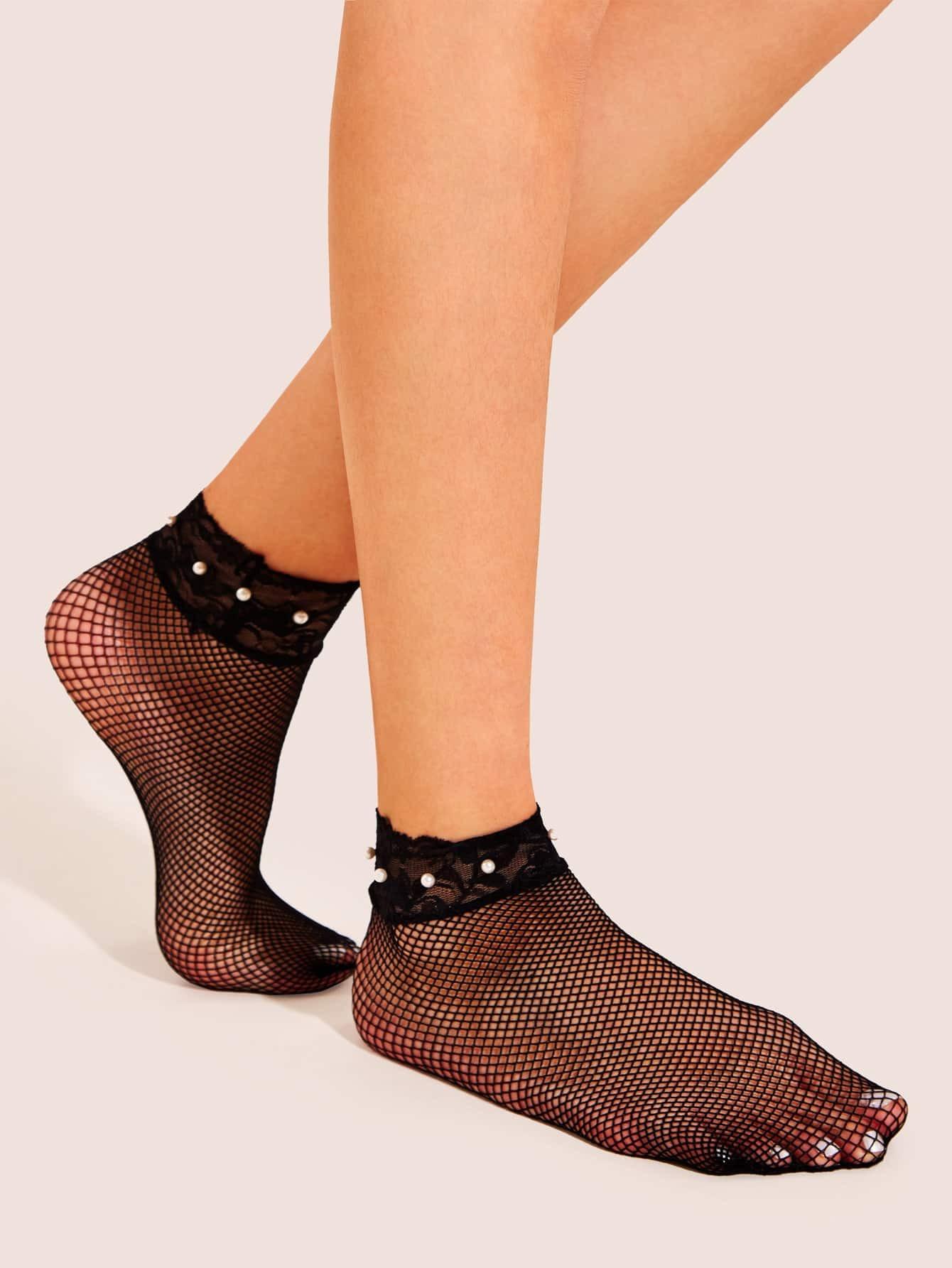 Фото - Сетчатые носки с кружевной отделкой и искусственным жемчугом 1 пара от SheIn черного цвета