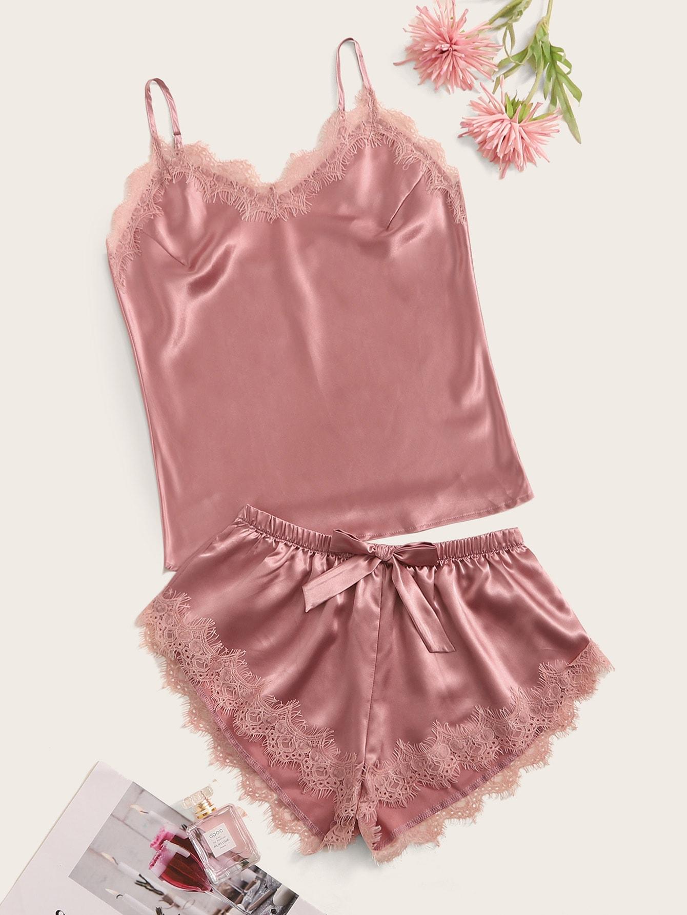 Фото - Атласная пижама на бретелях с кружевом от SheIn цвет розовые