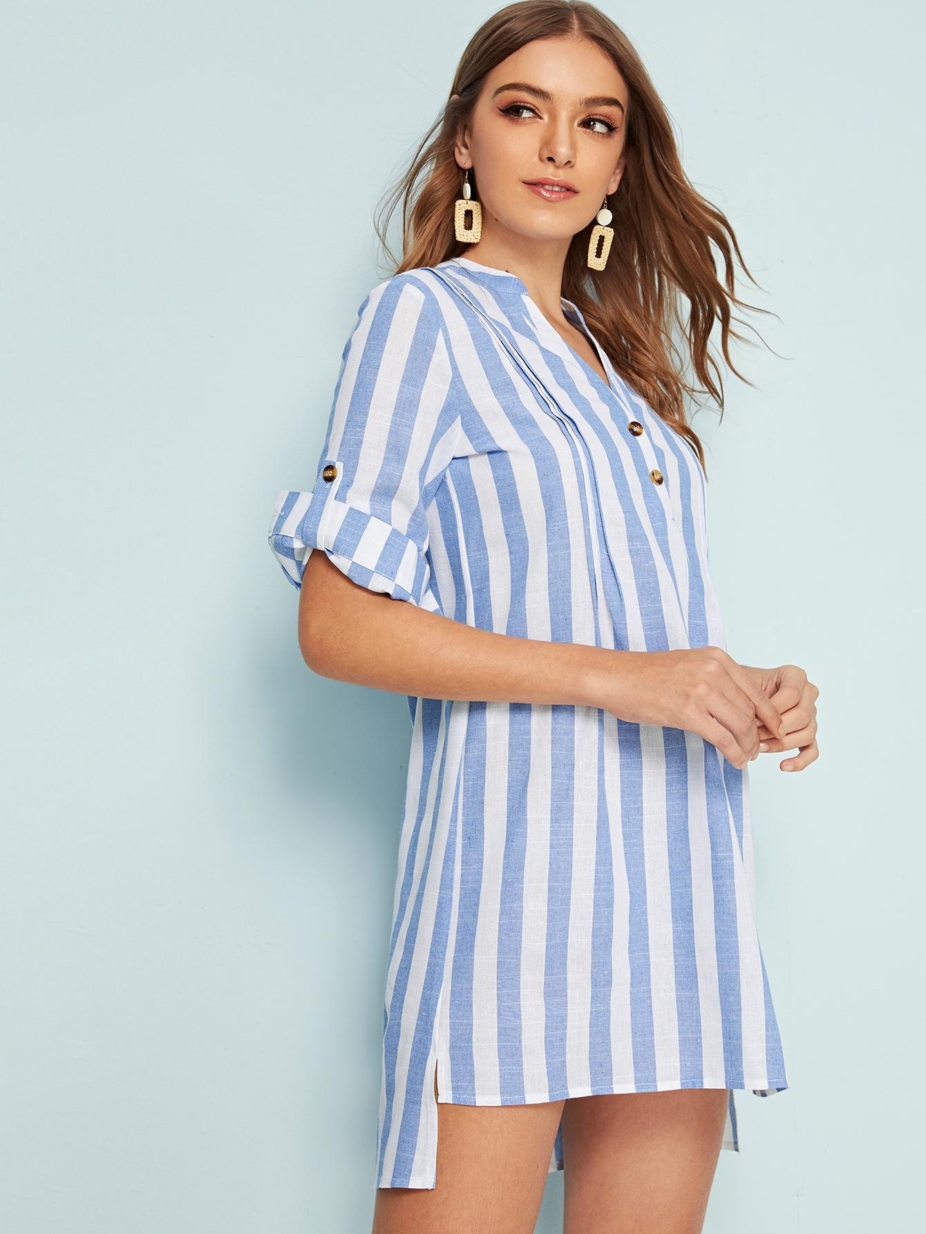 Фото - Асимметричное платье в полоску с пуговицами от SheIn цвет синие