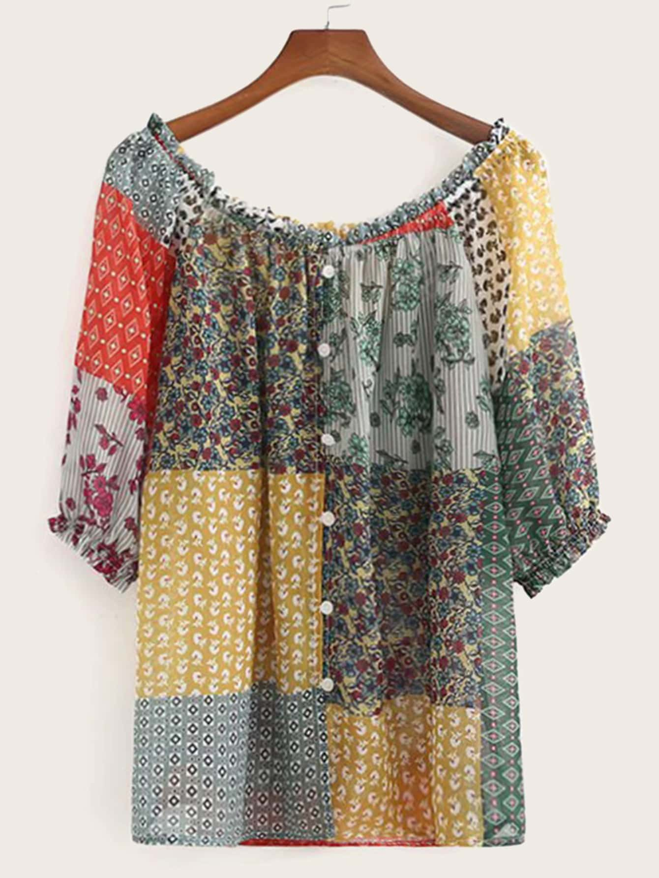 Фото - Блузу с пуговицами и графическим принтом от SheIn цвет многоцветный