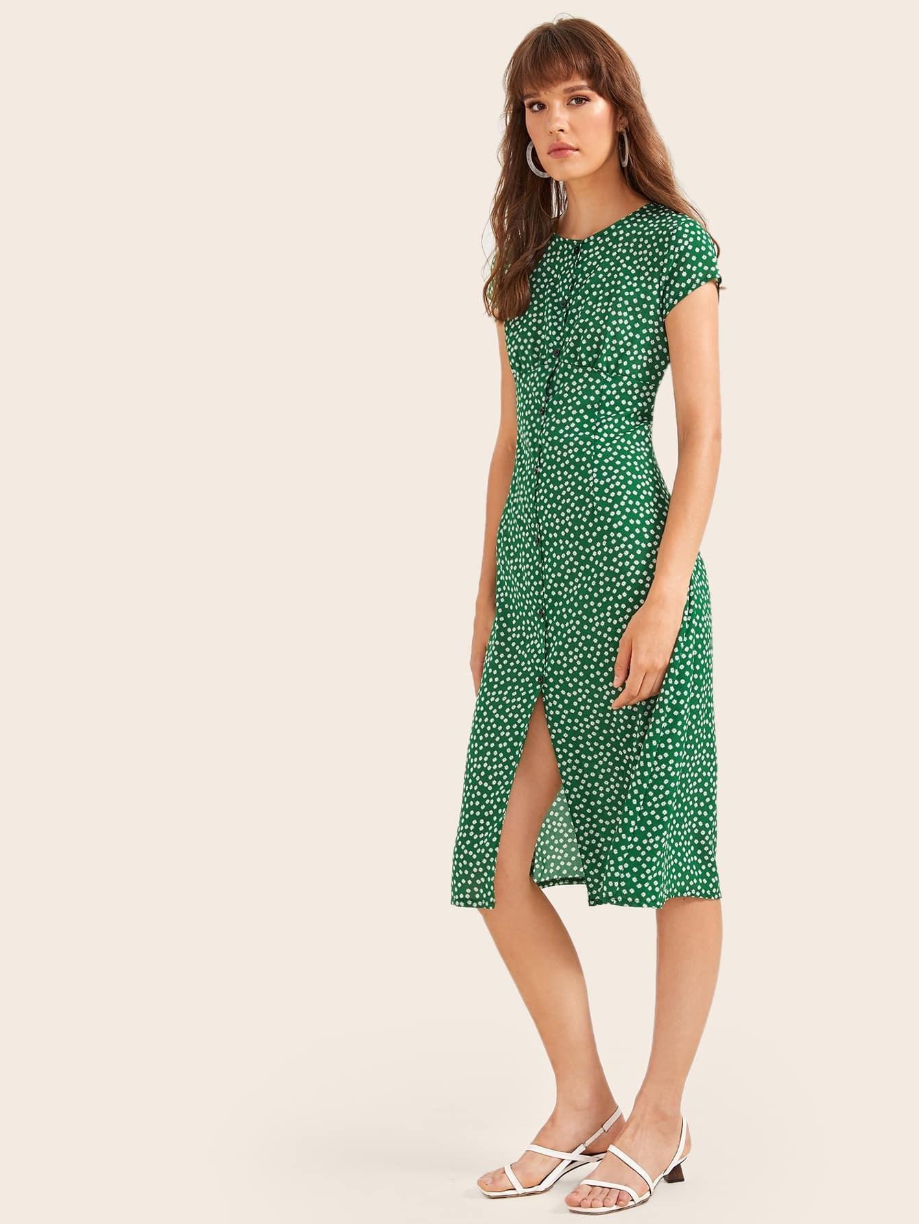 Фото - Платье с цветочным принтом и пуговицами от SheIn цвет зелёные