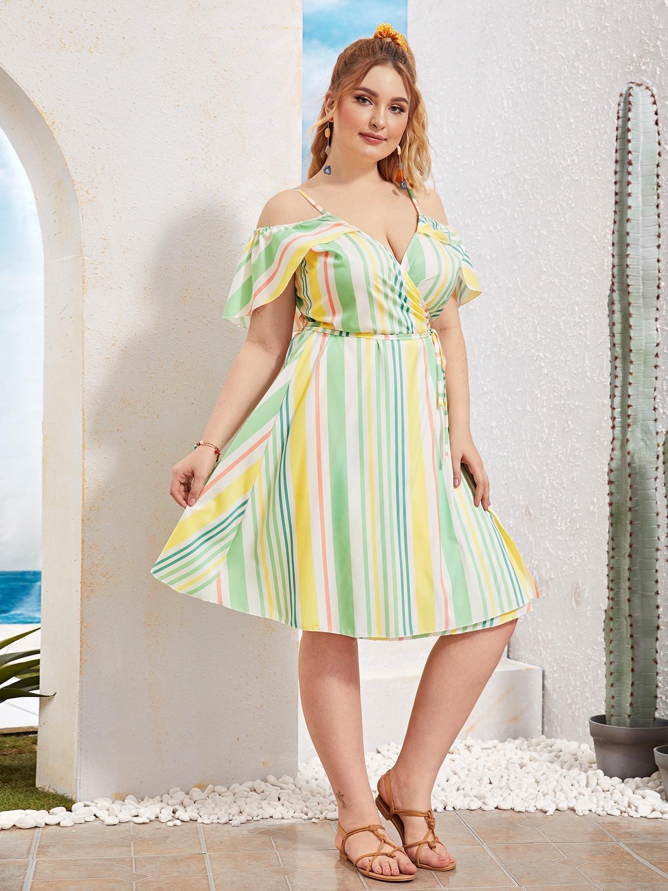 Фото - Платье в полоску размера плюс с открытыми плечами и поясом от SheIn цвет многихцветные