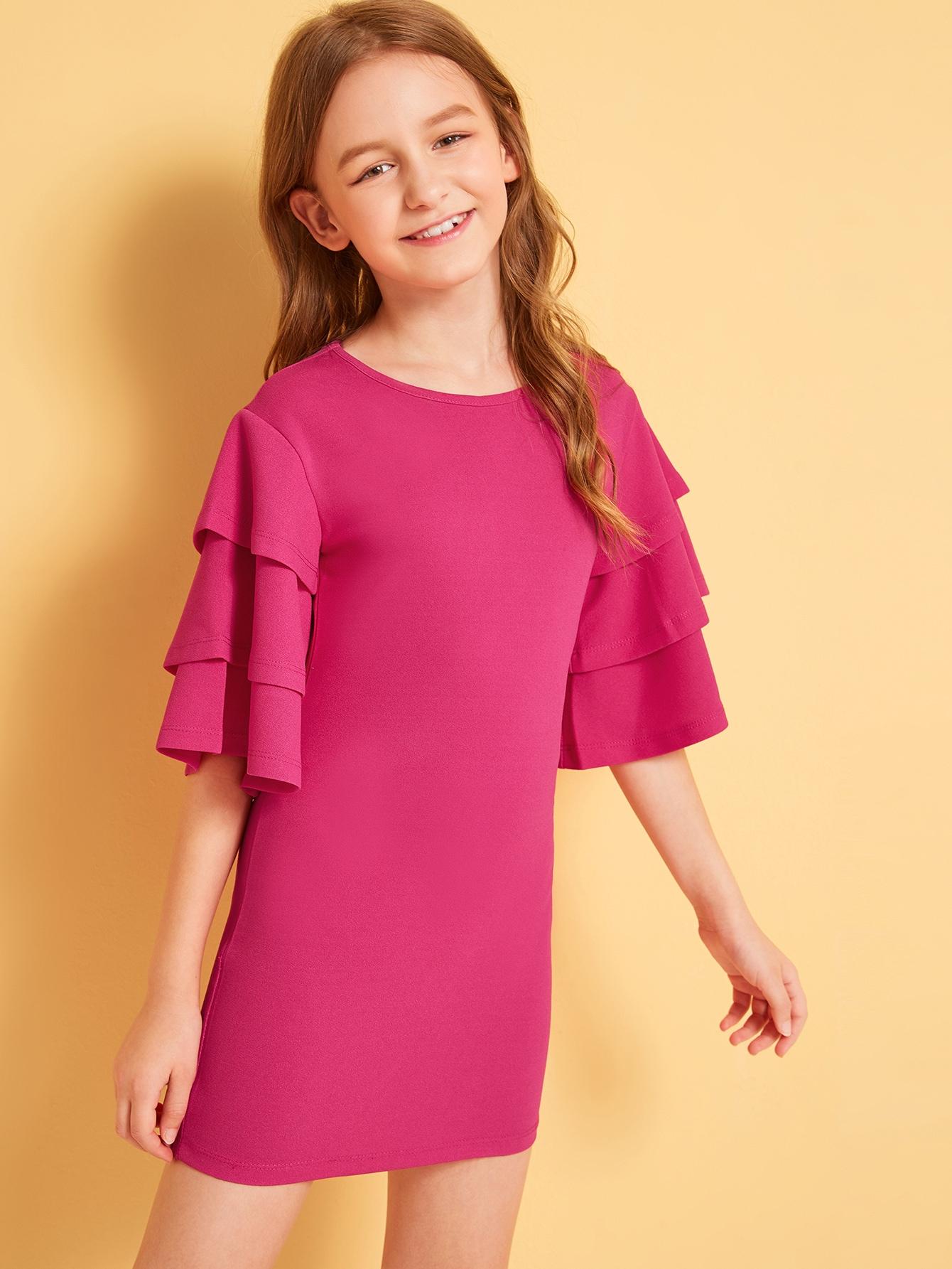 Фото - Неоновое розовое платье с многослойным рукавом от SheIn цвет розовые
