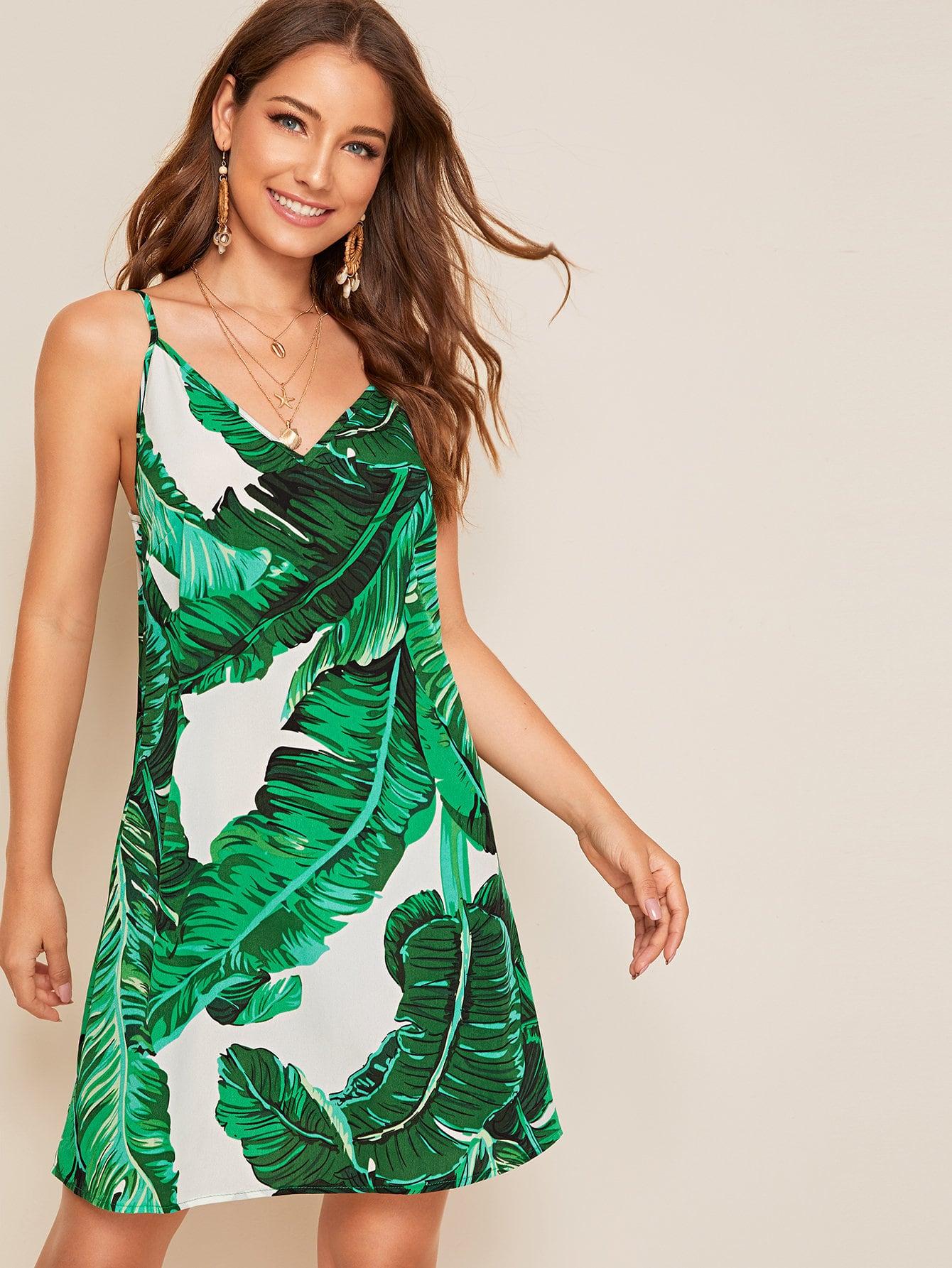 Фото - Платье с тропическим принтом от SheIn цвет зелёные