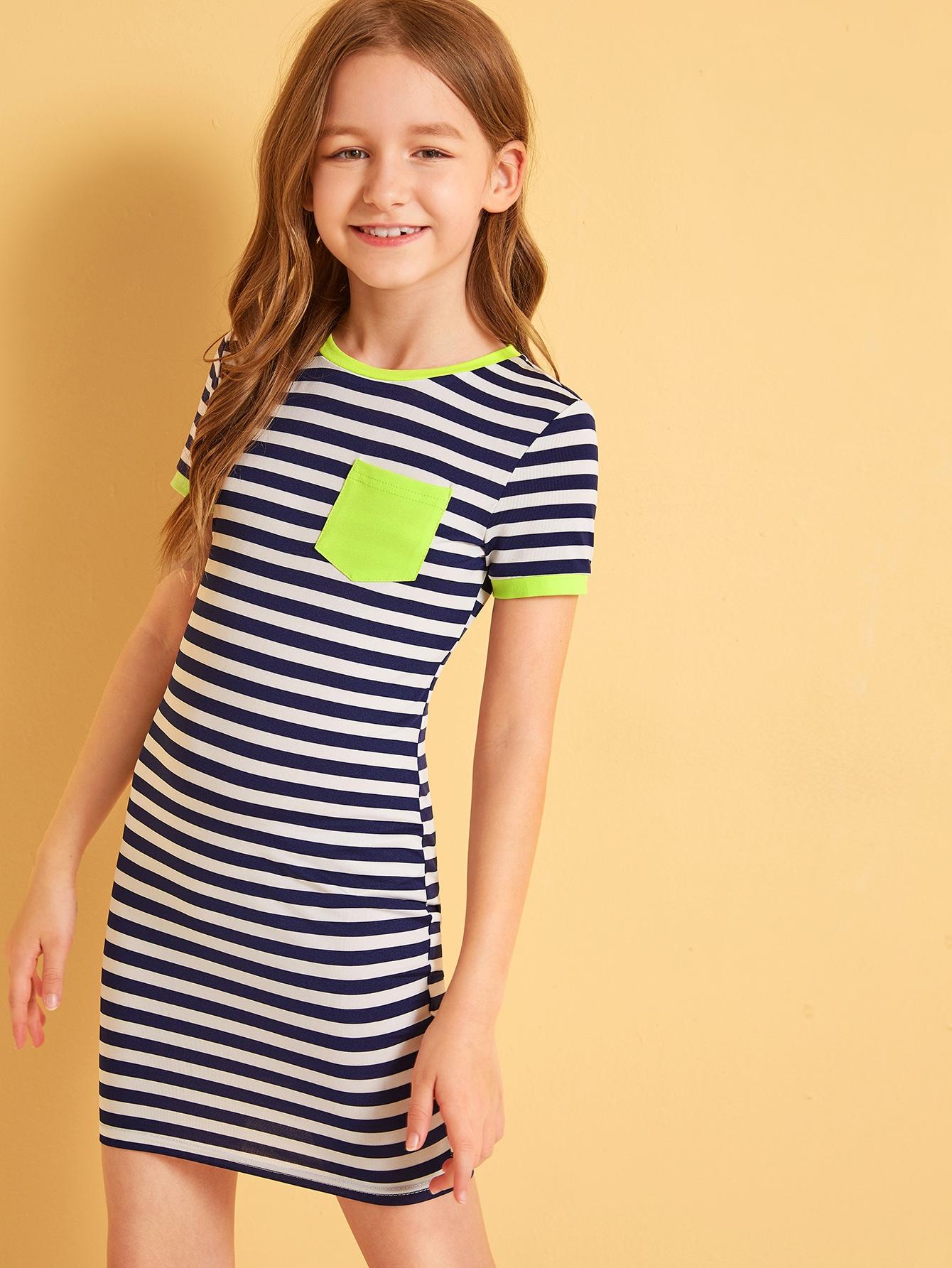 Фото - Платье в полоску с карманом для девочек от SheIn цвет тёмно-синие