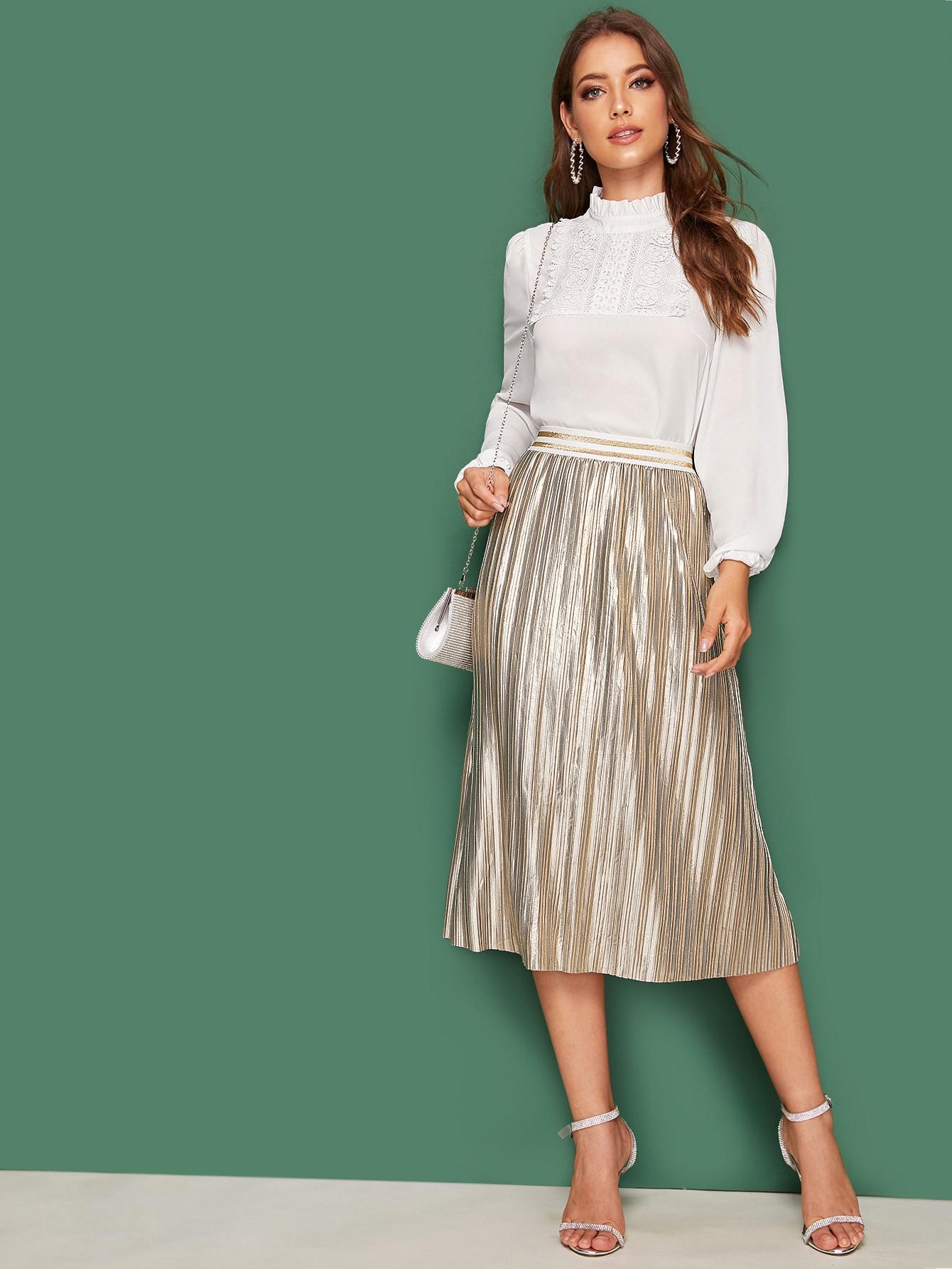 Фото - Топ с кружевной отделкой и юбка металлическогоцвета от SheIn белого цвета